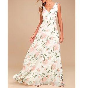 NWT Lulu's White Floral Print Maxi Dress